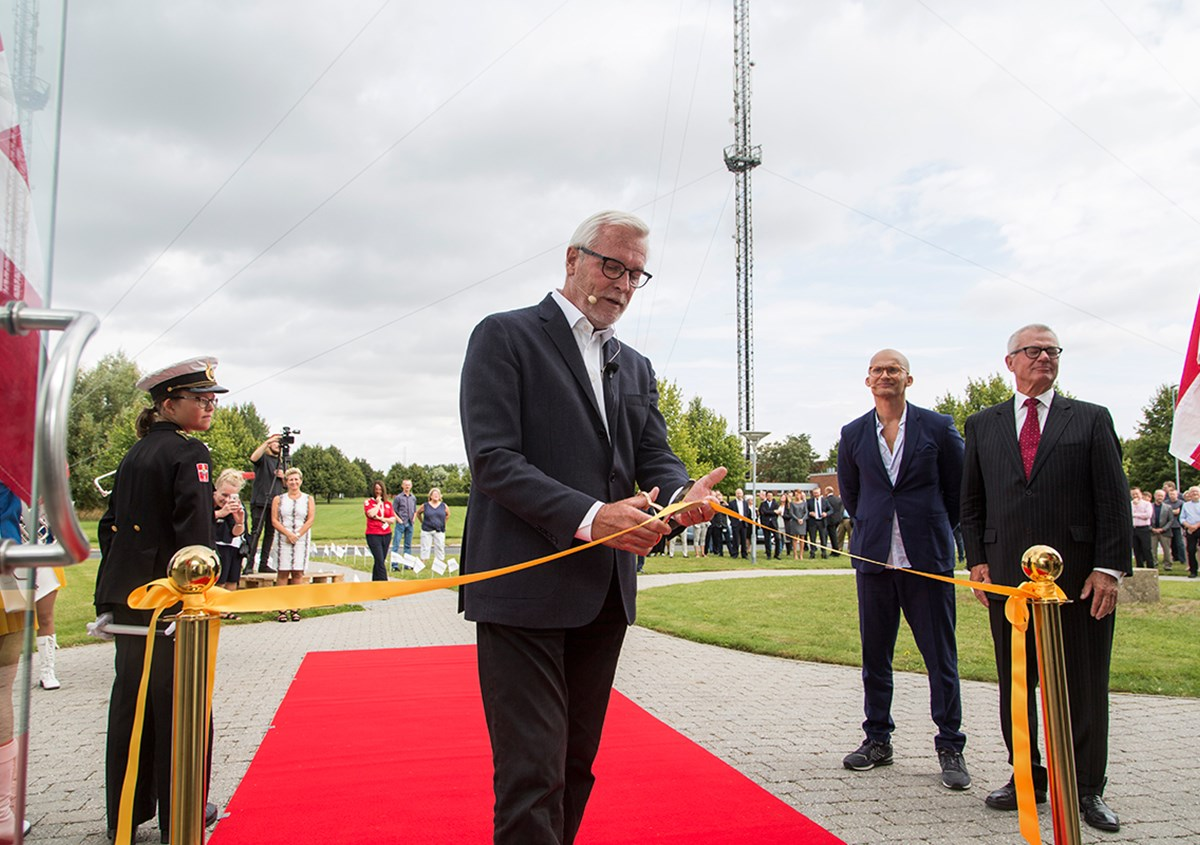 Ribbon cutting by Anker Boye, Mayor of Odense