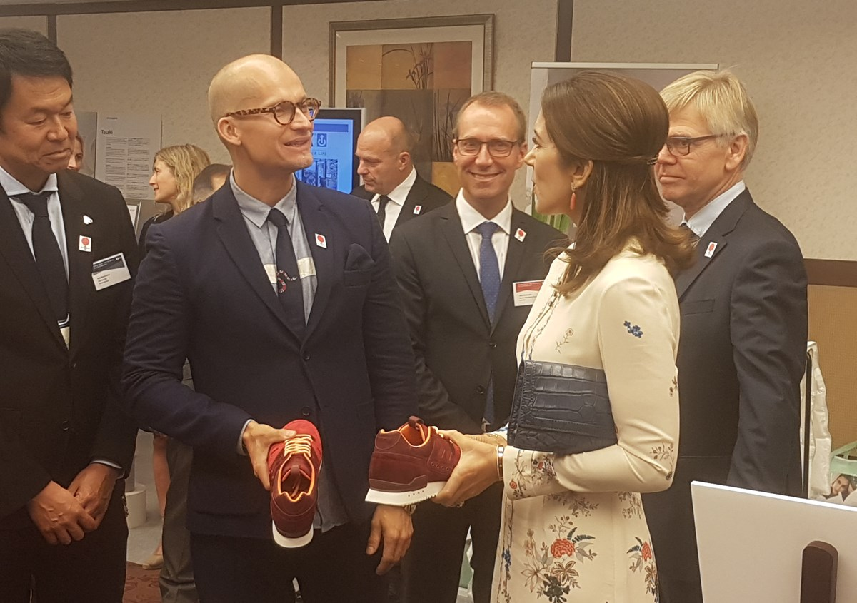 Owner of THORNICO, Christian Stadil speaking with HRH the Crown Princess of Denmark